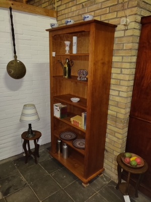Grenen boekenkastje (2000)