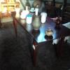 Kersenkleurige (eet)tafel
